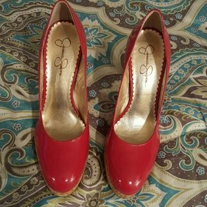 *FREE W/PURCHASE* GOOD JESSICA SIMPSON RED HEELS